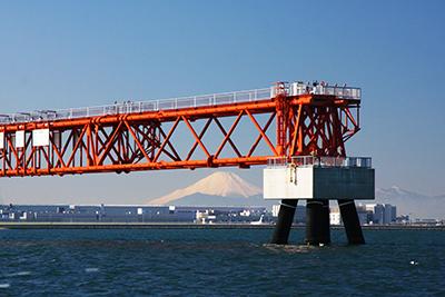 東京湾と富士山